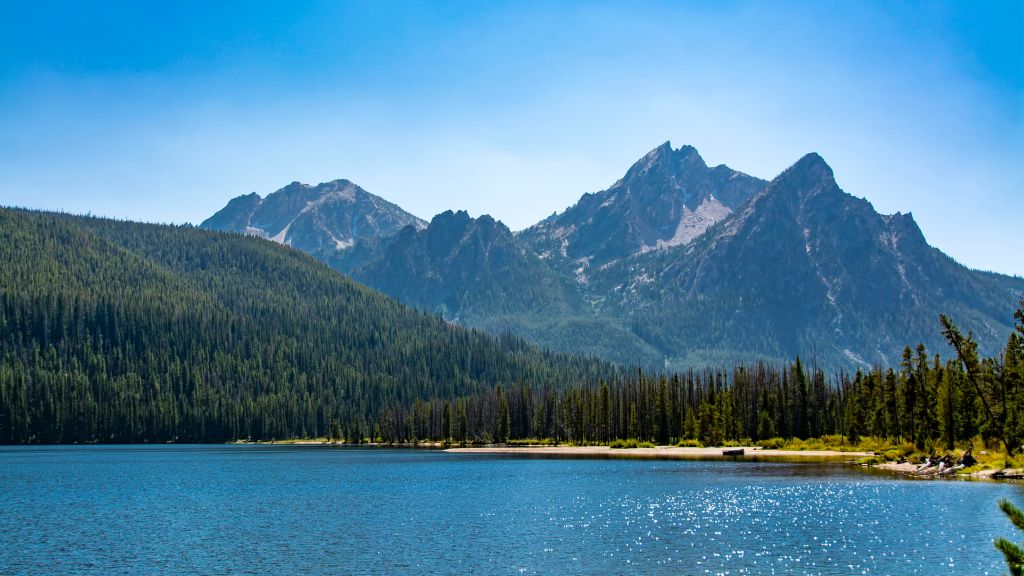 Scenic view of Stanley Lake and Sawtooth Mountains at Stanley, Idaho.