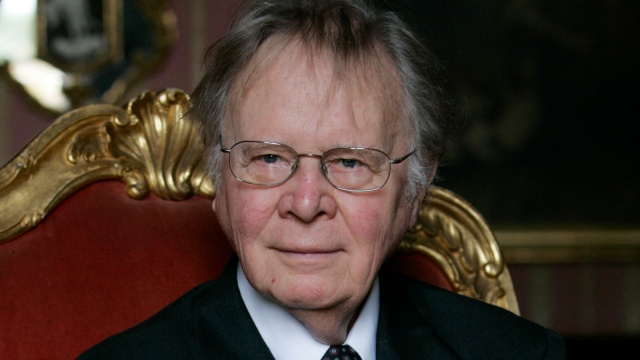 A 2008 photo of Wallace Smith Broecker, a professor in the Department of Earth and Environmental Sciences at Columbia University in New York, addressing the audience during the Balzan prize ceremony in Rome.