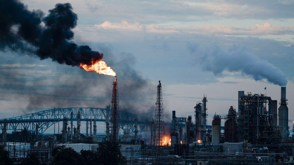 Smoke coming up from Philadelphia refinery