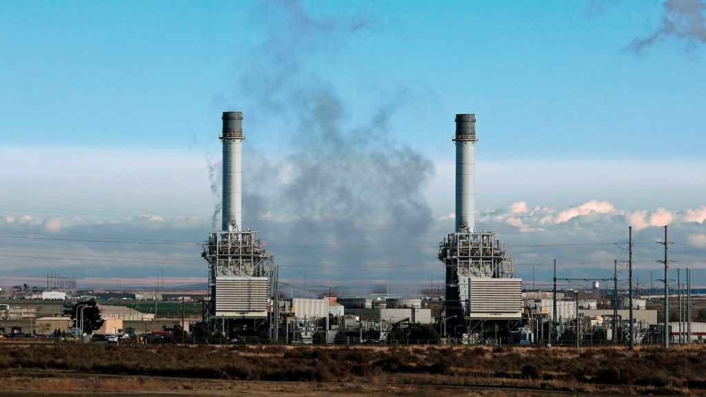 Natural gas fueled electricity generating power plant near Hermiston Oregon. (Photo by: Education Images/Universal Images Group via Getty Images)