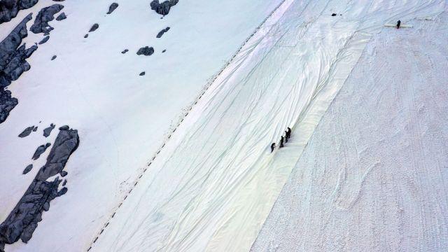 tarp going over an italian glacier