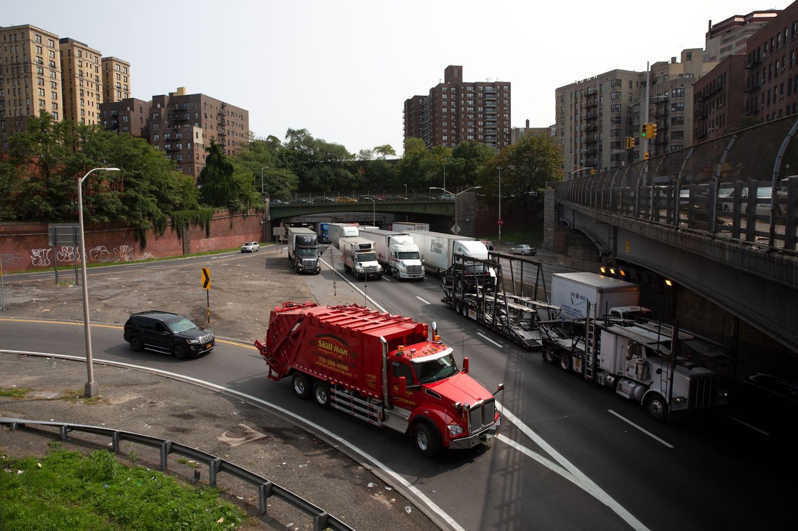 Cross Bronx Trucks