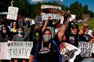Indigenous activists protest at Mount Rushmore