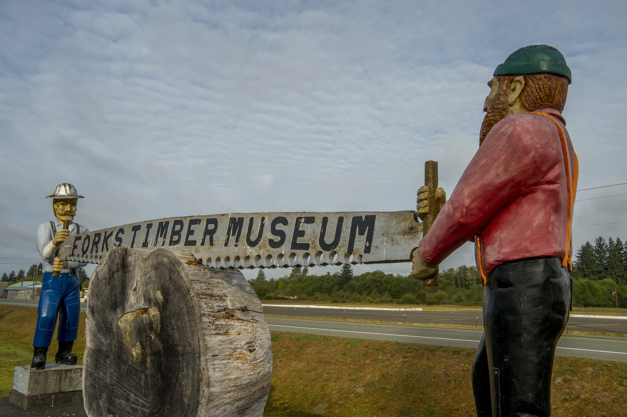 Wooden statue advertising the Forks Timber Museum in Forks, Washington