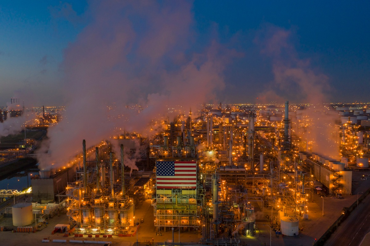 An aerial photo of the Marathon Refinery in Los Angeles